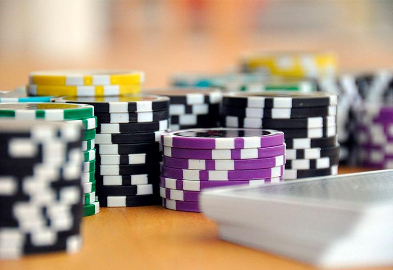 игра в покер на деньги на телефоне