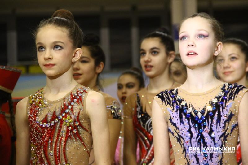 Впервые Калмыкия приняла у себя в гостях гимнасток из Юга и Северного Кавказа (ФОТОРЕПОРТАЖ)